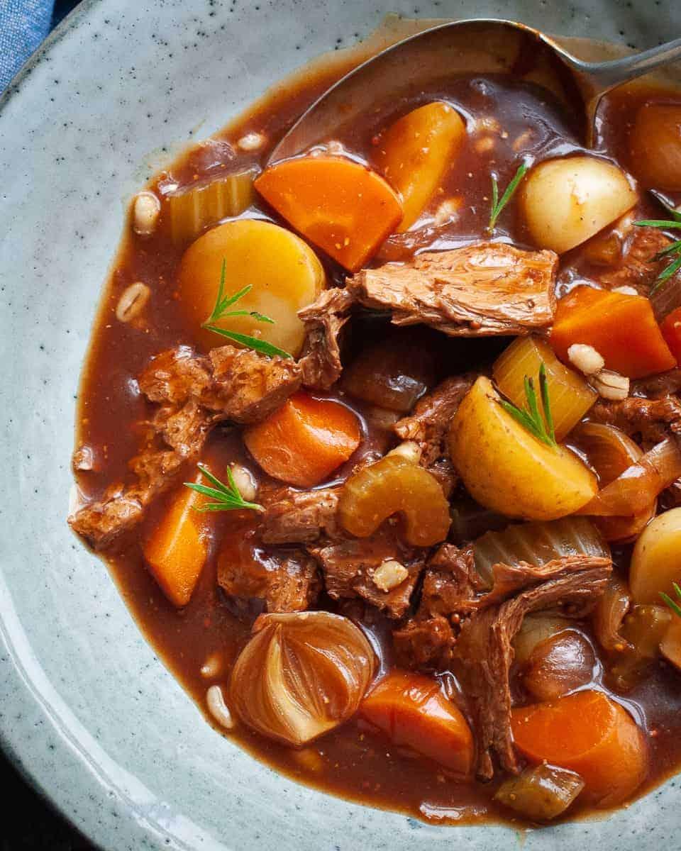 vegan beef stew with barley (long)