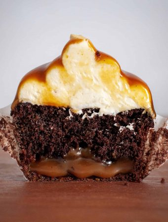 """Gold-bottom"" Vegan Caramel Chocolate Cupcakes"