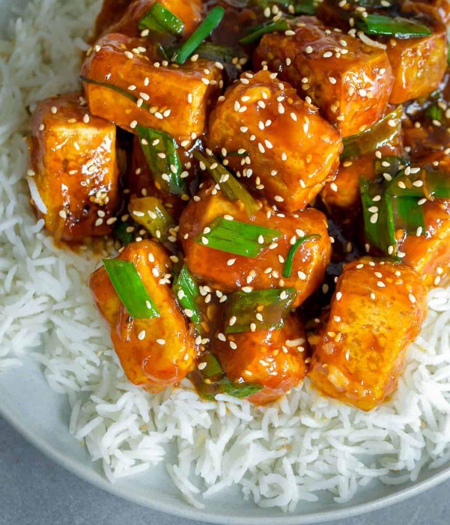 sticky sriracha tofu