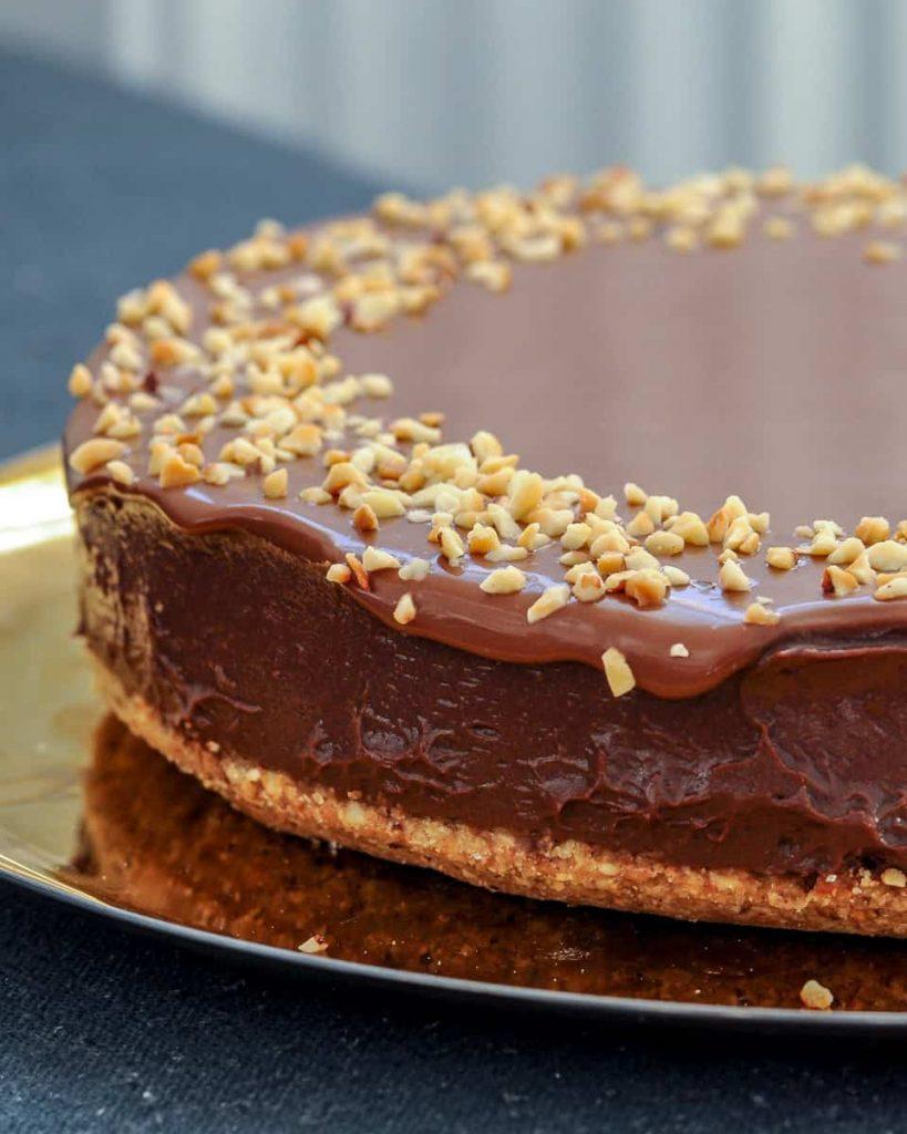 hazelnut and chocolate vegan cheesecake