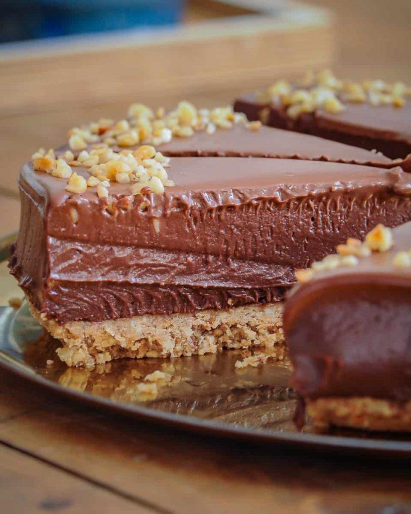 sliced vegan cheesecake