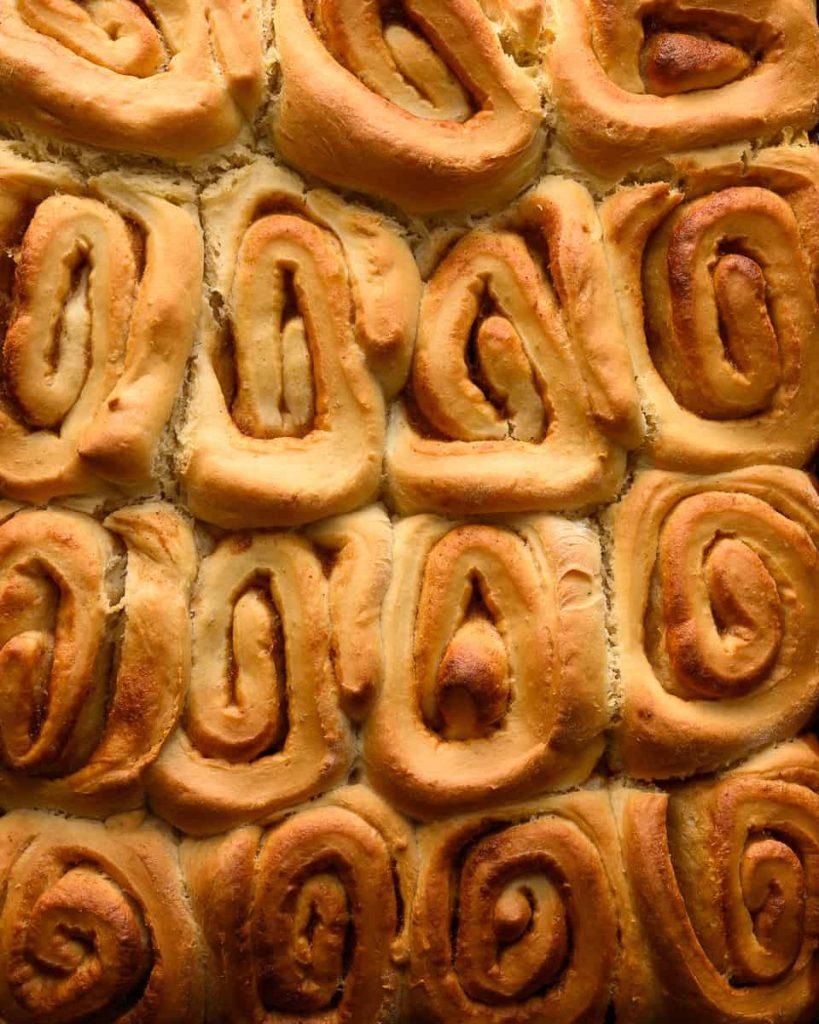 baked vegan apple butter rolls