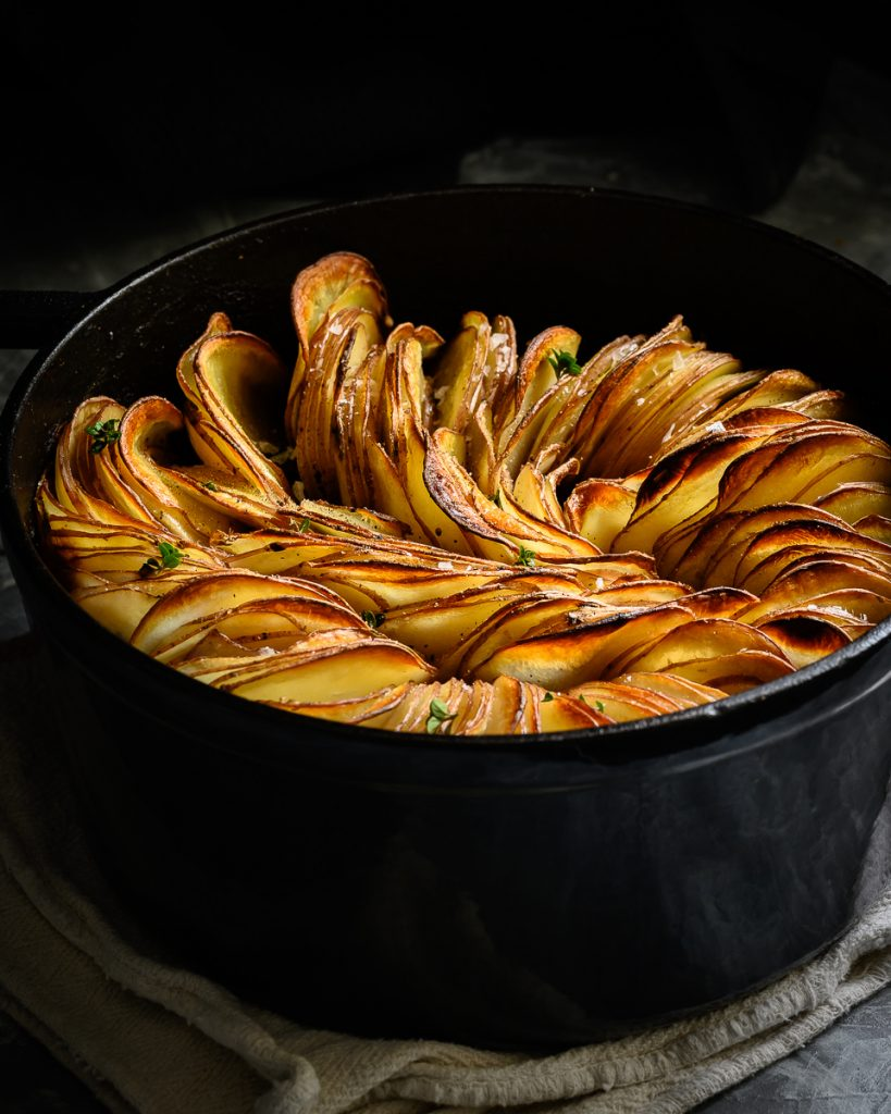 crispy baked vegan hassleback jackfruit chilli