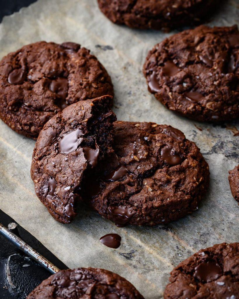 vegan double chocolate coconut oatmeal cookies