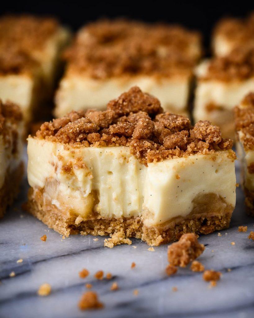 vegan apple crumble custard bars