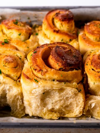 vegan garlic butter rolls