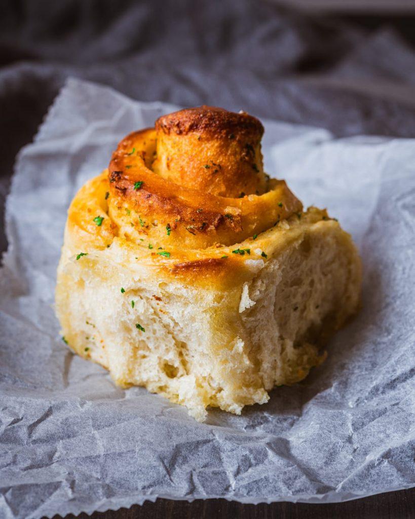 vegan garlic butter roll