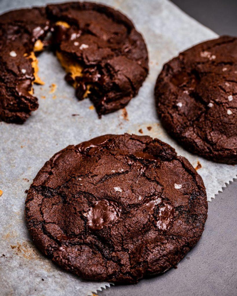 vegan peanut butter filled cookies
